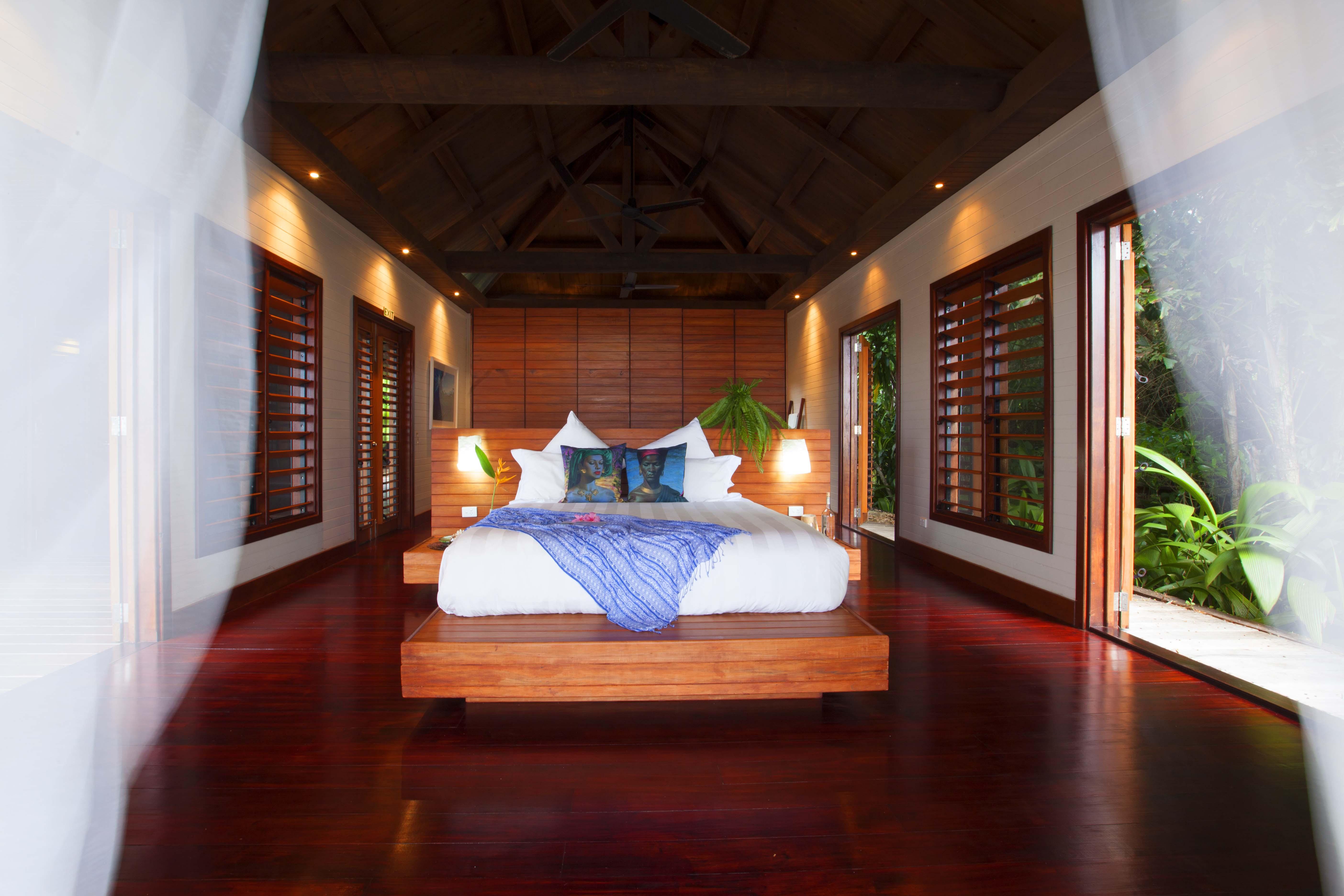 tavola villa fiji master suite