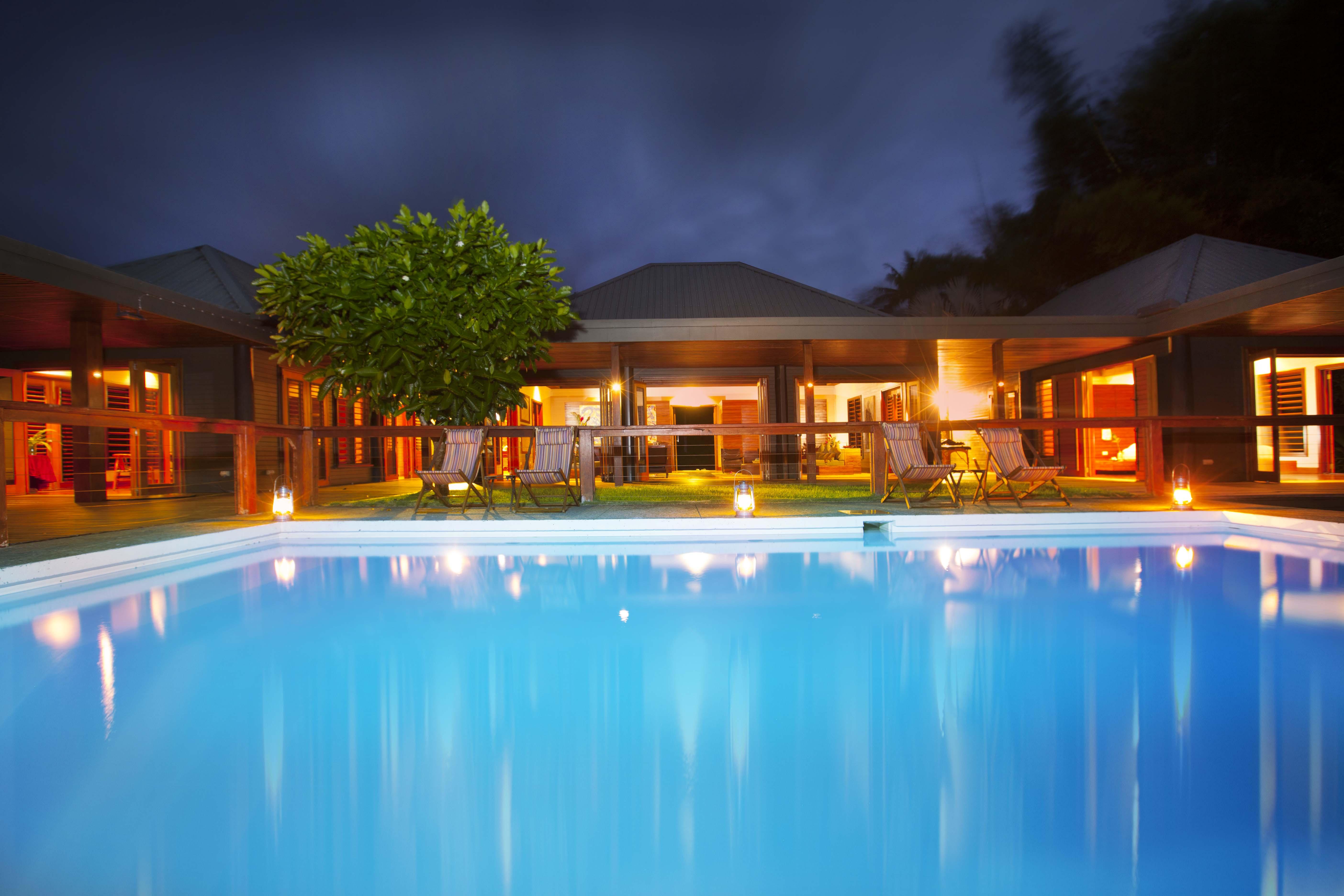 tavola villa fiji infinity pool