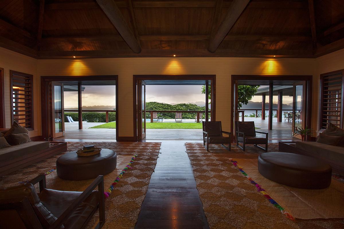 tavola villa fiji lounge